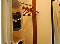 着替え室には着替えをご用意しております。